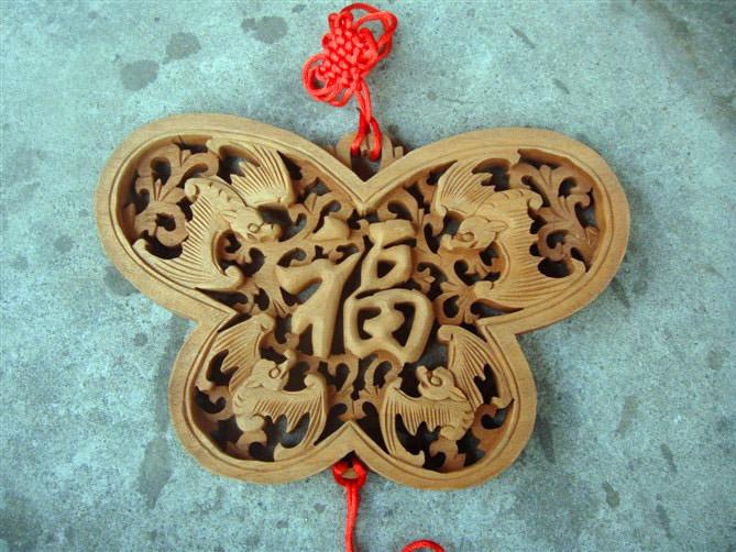 东莞木雕挂件厂家直销,广东划算的木雕挂件供应