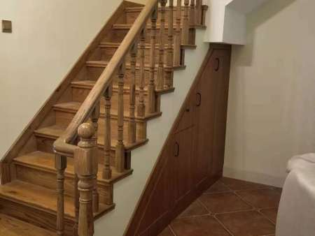 大渡口实木楼梯厂家|哪里有供应高质量的重庆实木楼梯