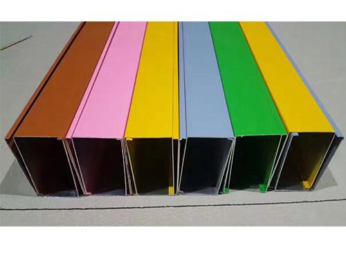 精巧的結構 精妙的設計是鋁方通吊頂的特色--屹晟建材