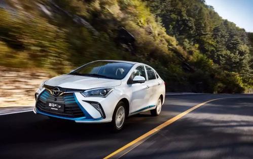 鄭州新能源汽車哪家價格便宜-選質量好的新能源汽車-就到河南環鼎新能源