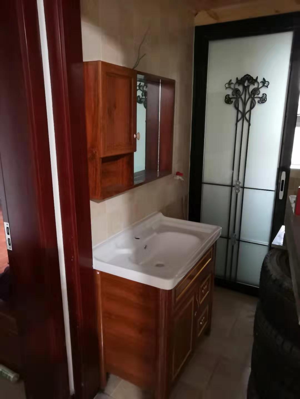 放心的防水橱柜_youpin质的橱柜ding制就在�zhui�区亚特玻璃门经yingbu