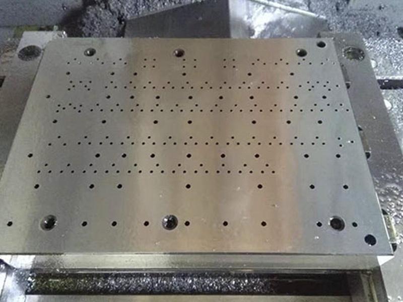 数控模具立式模具钻孔机制造商/数据模具钻孔机价格/利工科技