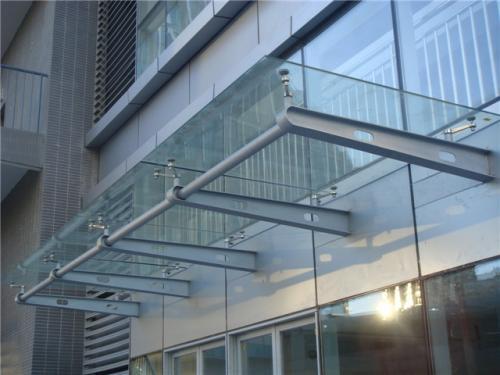 宝鸡钢结构玻璃雨棚设计-宝鸡玻璃雨棚的价格范围如何