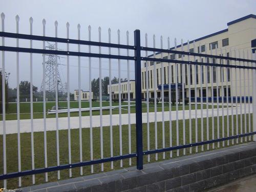 兰州锌钢护栏网厂家-甘肃地区销量好的甘肃道路护栏怎么样