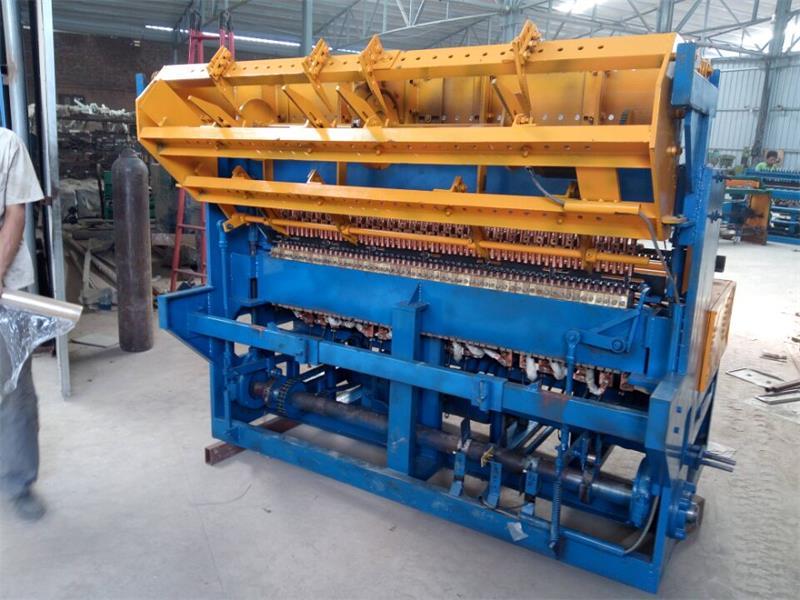 新疆实用的鸡鸽兔笼网片焊接机-衡水超好用的鸡鸽笼排焊机出售