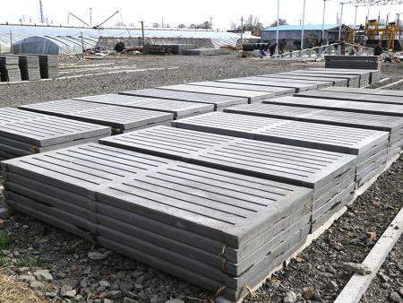 养猪漏粪板-永丰养猪设备高性价养猪漏粪板新品上市
