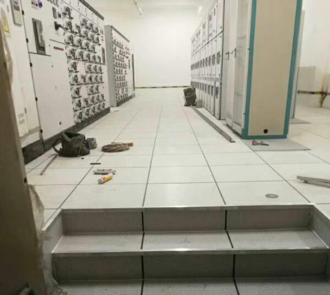 許昌PVC防靜電活動地板廠家-PVC防靜電地板哪里有賣