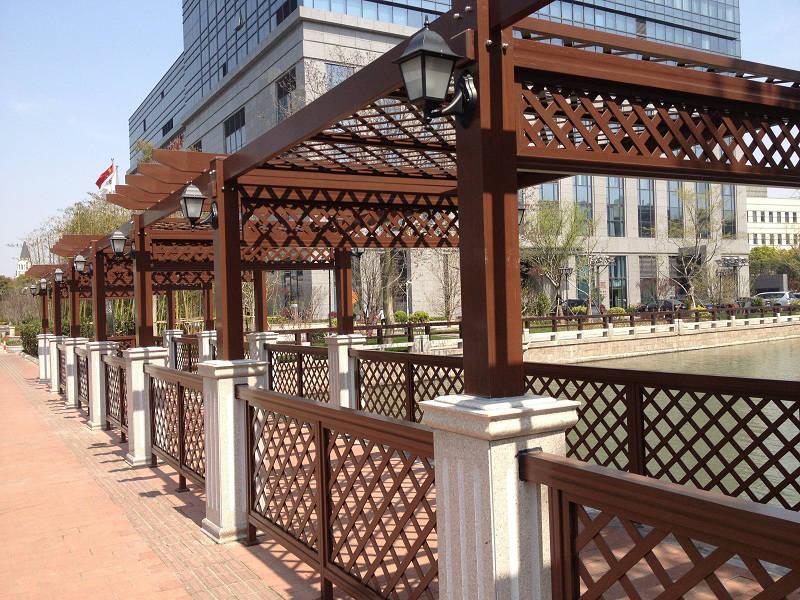 霍尔果斯阳台防腐木花架|伊犁哈萨克自治州优质的新疆防腐木花架