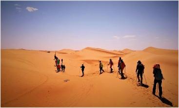 固原腾格里沙漠穿越推荐路线_高水平的宁夏沙漠穿越推荐选择开拓者拓展教育