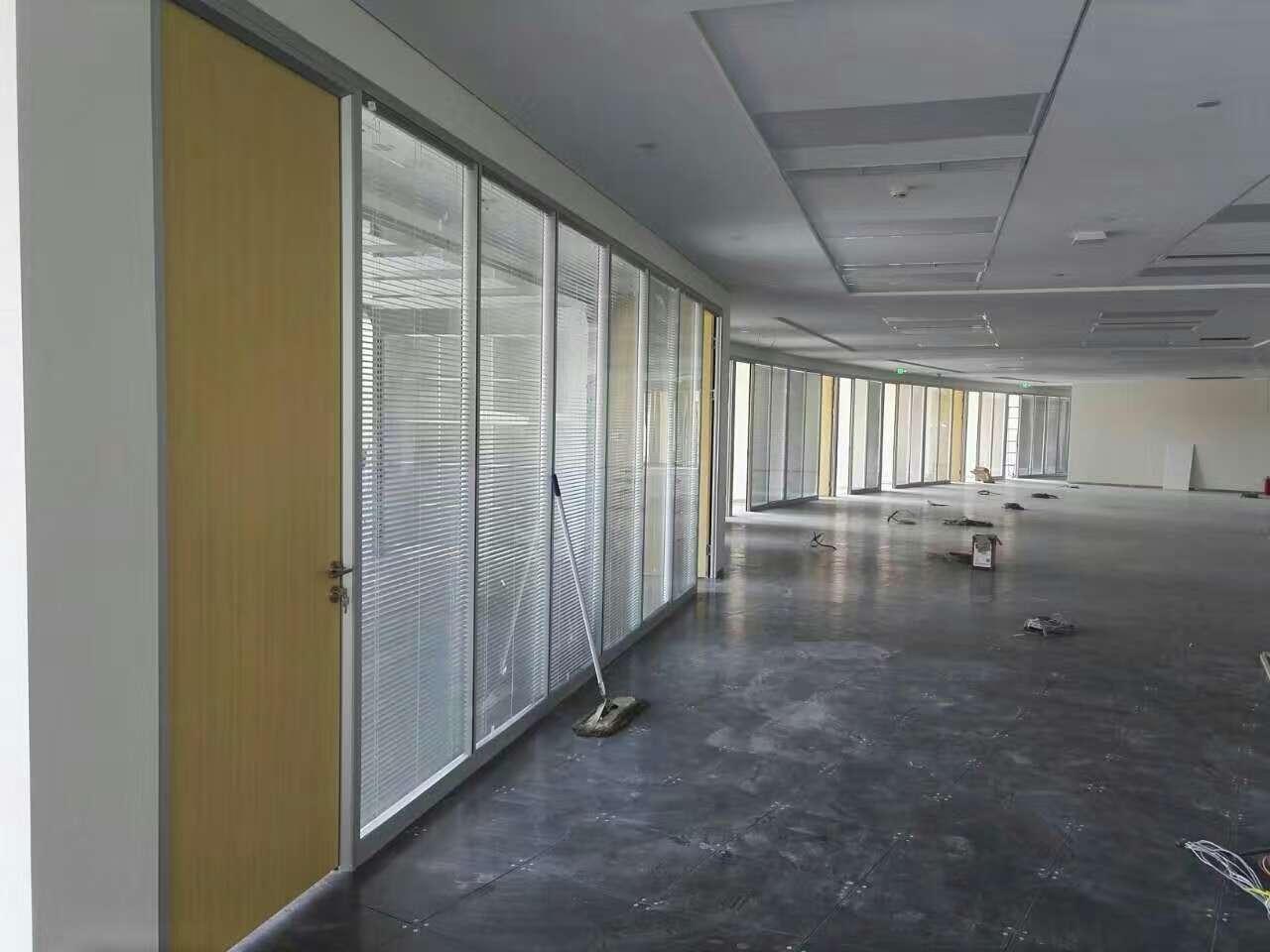 青海玻璃隔斷_蘭州大型隔斷工程技術哪家專業