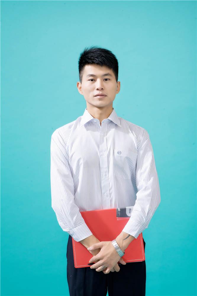 男女衬衫低价甩卖-要买新品工厂衬衫上哪