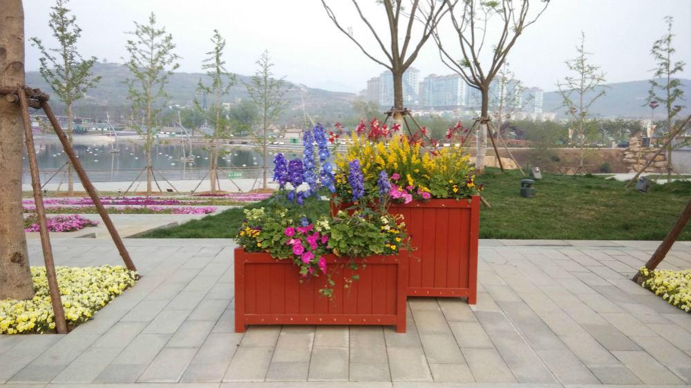 霍尔果斯防腐木花箱制作厂家|供不应求的新疆防腐木花箱推荐