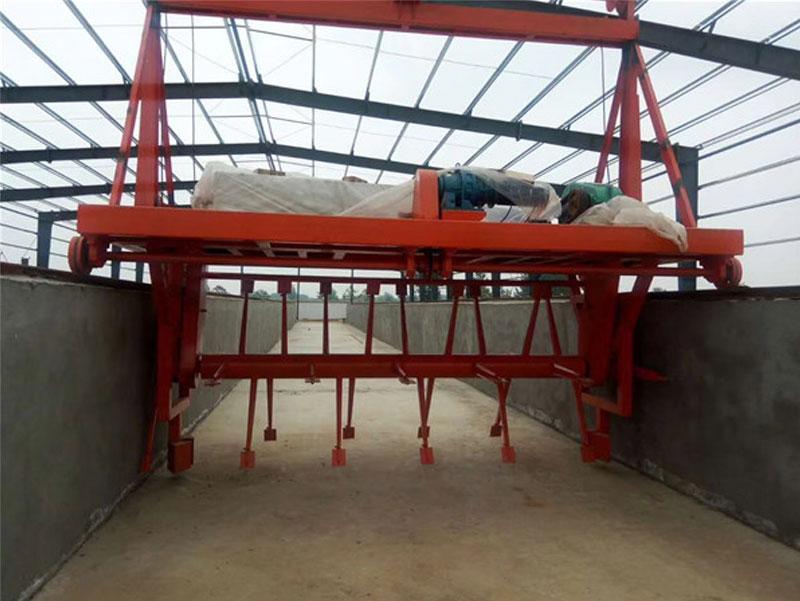 有機肥設備廠家翻堆機