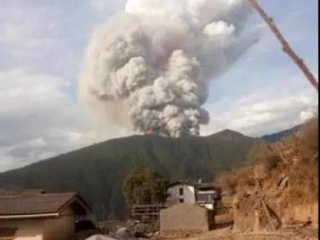 30名牺牲的消防官兵已顺利回到西昌、愿他们一路走好