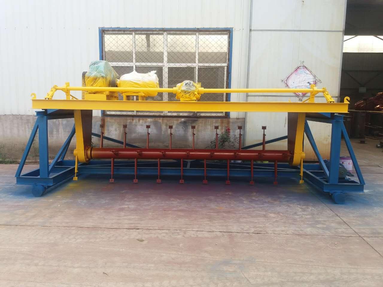 有机肥翻堆发酵槽式翻堆机厂家直销