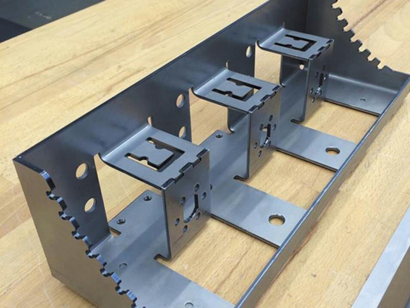 金屬激光切割廠家-信譽好的金屬激光切割服務商-河北華光不銹鋼制品