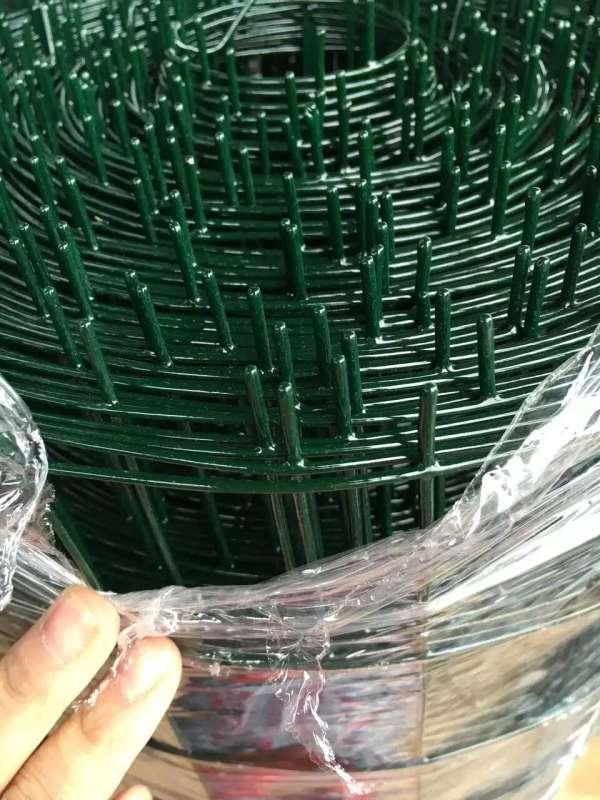 圈地网厂家|郑州地区有品质的草坪护栏