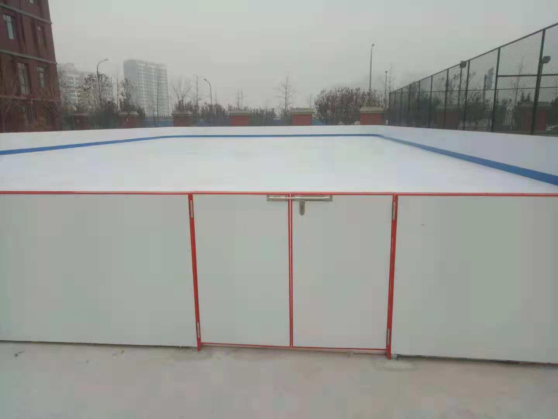 学校冰上训练仿真冰场采用全方位限位连接方式厂家直售