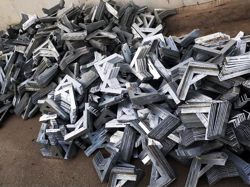 西藏燃气支架厂家直销报价|正亚金属价格划算的天然气管道固定支架出售