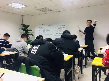 英语培训班哪里有_信誉好的中考英语培训机构,当属斯派教育