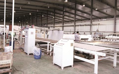 【供应外墙保温装饰一体板设备厂家价格优惠、免费工艺技术支持】