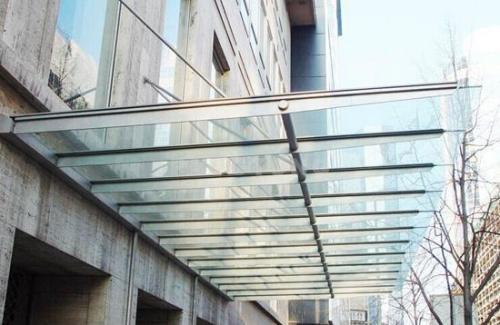 安康玻璃雨棚價位-陜西口碑好的商洛玻璃雨棚品牌