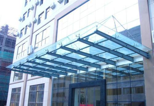 西安玻璃雨棚哪个品牌好-哪儿有卖实用的玻璃雨棚