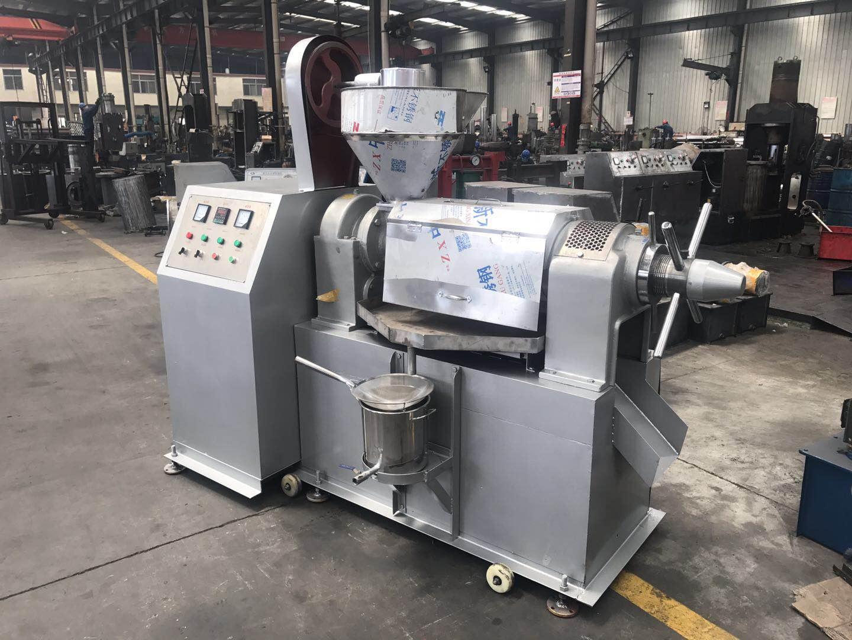 花生榨油機廠家_陽東機械提供優良的螺旋榨油機