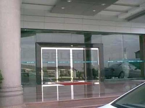 西安玻璃电动门哪里买|陕西优惠的西安玻璃电动门