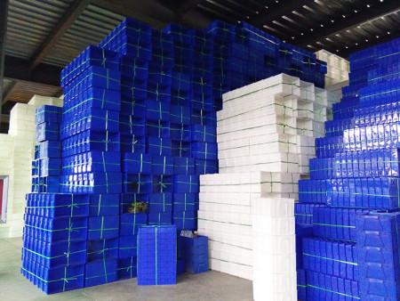 周转箱厂可为客户提供不同类型的产品