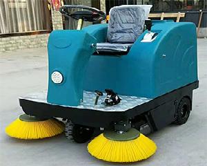 耐用的物業小區道路清掃駕駛式掃地車-鄭州駕駛式掃地車哪里買