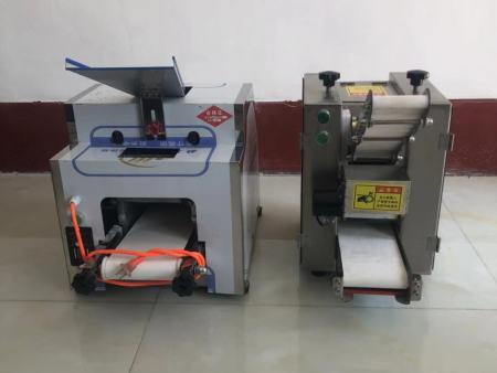 山东饺子皮机制造厂 金豪棋牌安卓版机械 河北厂家报价