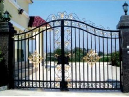高质铁艺护栏围栏当选沈阳宏源装饰工程|鸡西铁艺护栏围栏厂