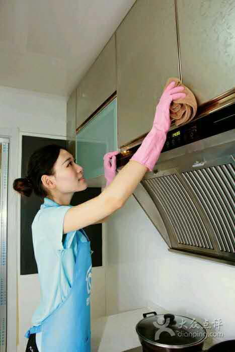 翔安本地的油烟机清洗-保尔佳家政-靠谱的油烟机清洗服务公司