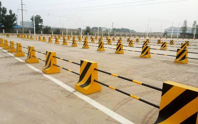 和田隔离墩制作_选销量好的新疆隔离墩,就到乌鲁木齐邦达公路构件公司