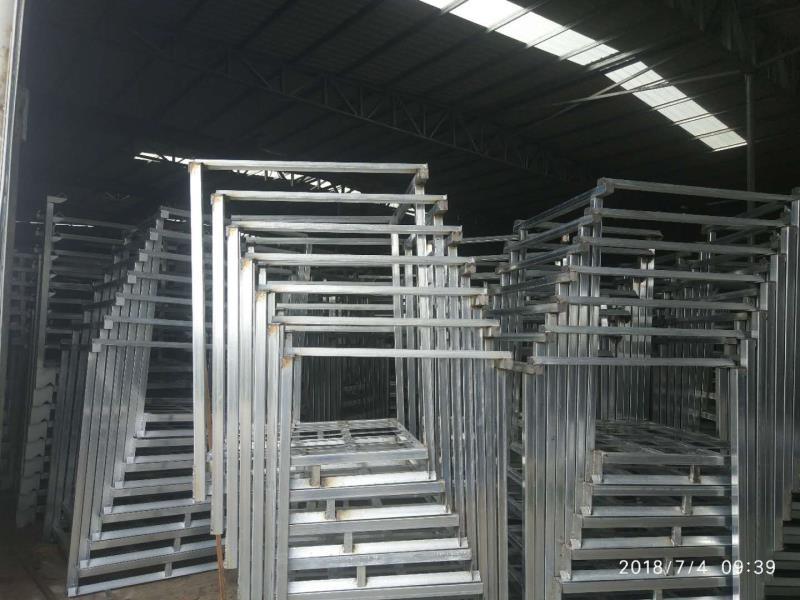 堆垛架价格|鑫重仓储提供质量硬的钢托盘