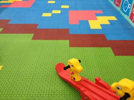 拼装运动地板 广东优良拼装地板