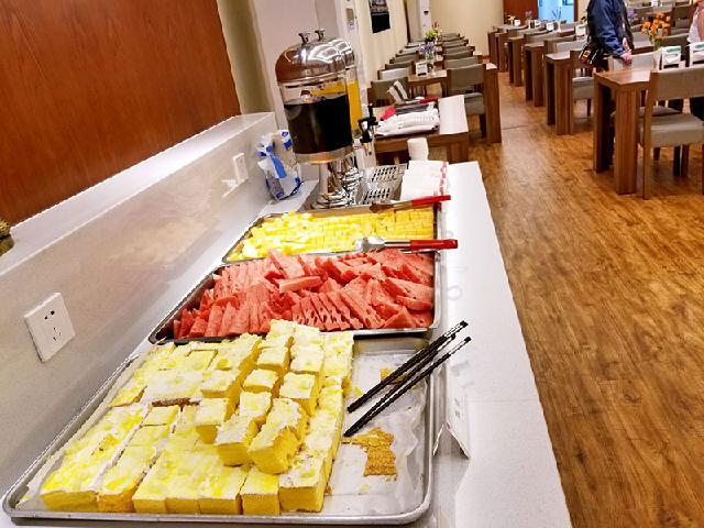 贵州企业食堂承包|贵州可靠的贵州民族大学食堂承包服务推荐