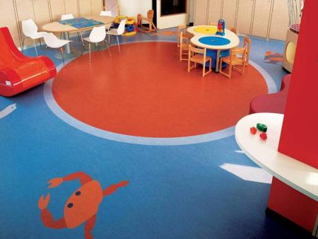 pvc卷材球场_优良的PVC地板尽在力强体育