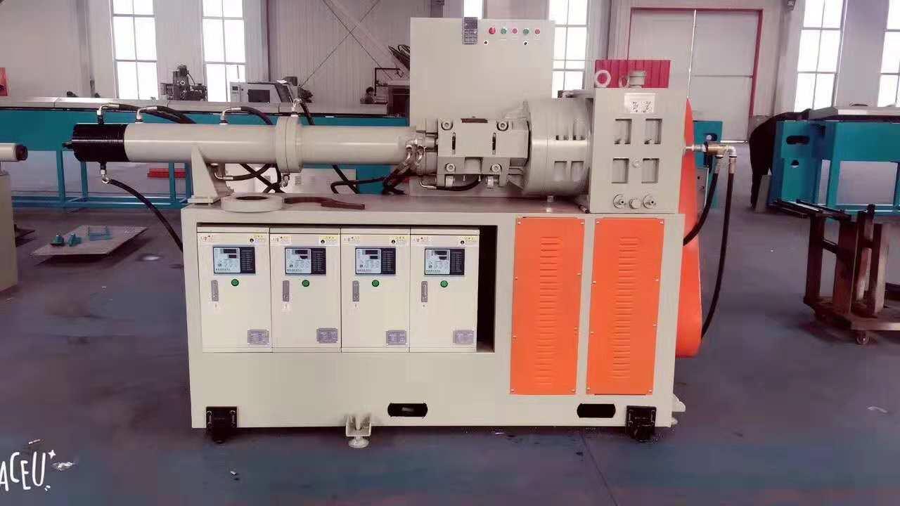 橡胶挤出机的工作原理,胶料在挤出段中的流动状态,胶料在机头内的流动状态