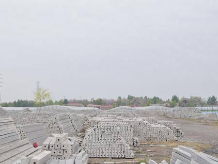 溫室大棚柱子生產商_濰坊大棚立柱報價