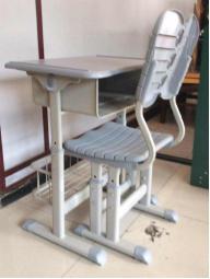 莲湖口碑力量好的西安生产课桌椅厂家-陕西朱雀公司优惠的钢木课桌椅