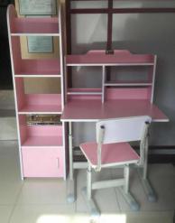 西安供應西安生產課桌椅廠家_陜西朱雀公司供應不錯的鋼木課桌椅