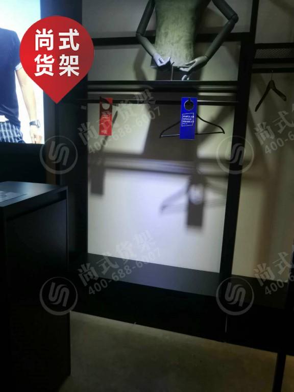 北京卡门时尚男装货架 大量供应销量好的卡门时尚男装货架