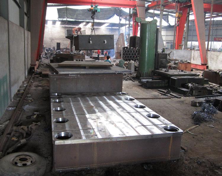 使液压机焊接加工发生振动的因素