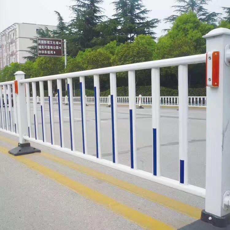 广西交通护栏网厂家,桥梁护栏网价格