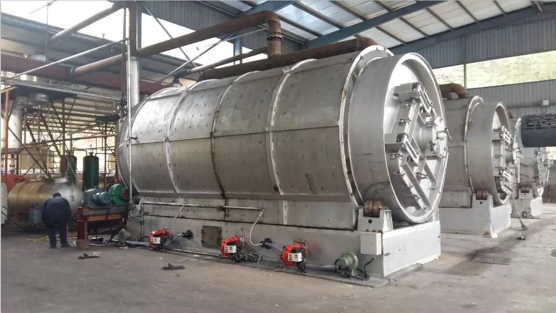 商丘市钟鸣环保设备万博maxbetx官网app下载关于废旧塑料炼油项目简述