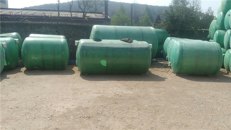 昆明化粪池定做厂家|报价合理的曲靖玻璃钢化粪池永洁玻璃钢化粪池厂供应