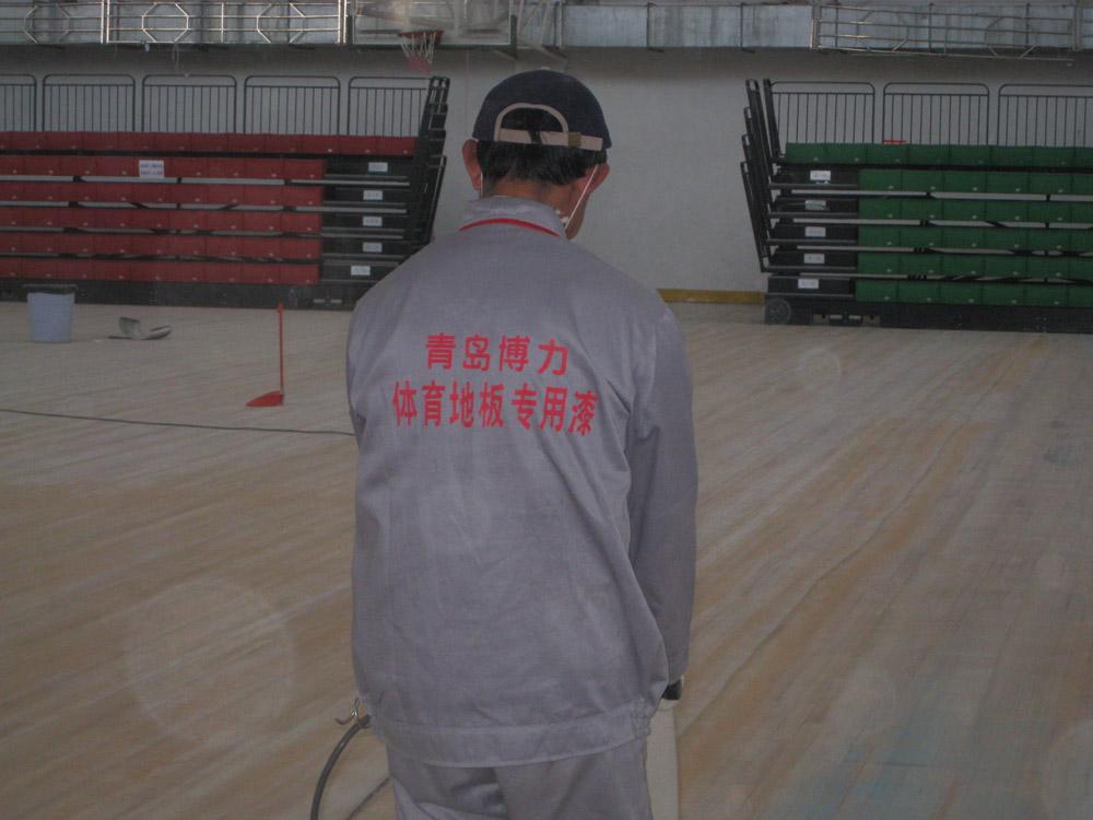 青岛地板翻新专业提供 地板维修施工