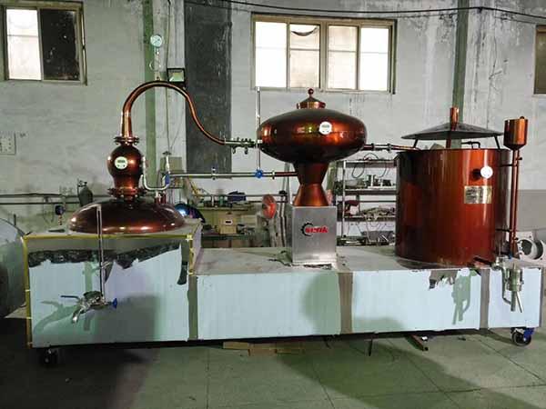 壺式蒸餾機組供應商-供應河南質量好的壺式蒸餾機組